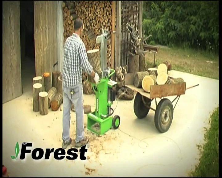 Praktisches Beispiel für die Verwendung eines Docma-Holzspalters, Forest Line, Modell SF80 220